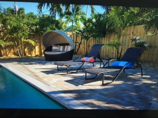 Rino vacation rental .fl with heated pool, Wilton Manors