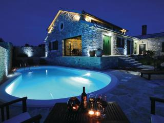 AMAZING STONE VILLA WITH POOL, BILLAR, Benkovac