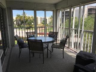 Peaceful South End condo w/ heated pool & short walk to South Beach, Marco Island