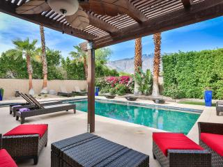 18 Palms Villa.  Luxury home close to everything!, Palm Springs