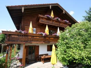 Vollbiolog.Holz-Landhaus,ruhige Lage mit Bergblick, Traunstein