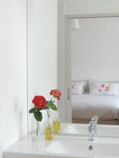 Que le miroir de nos chambres d'hôtes vous envoie la réalité de ce qui vous est proposé...