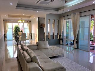 Villa Leelawadee near Pattaya, Bang Lamung