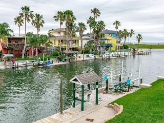 Canal Front Home City by the Sea, 3BR/2BA, Boat Dock