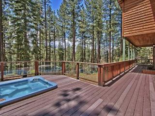 Creekside Home in the Pines in South Lake Tahoe – Private Hot Tub