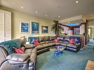 Colorful Garden Condo in Irvine – Close to Beach – Long-Term Only