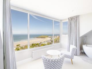Boutique Beach House West - Stunning St Ives Holiday Home