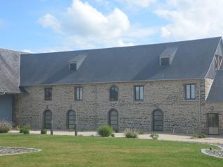 Maison près du Mont Saint Michel avec piscine, Servon