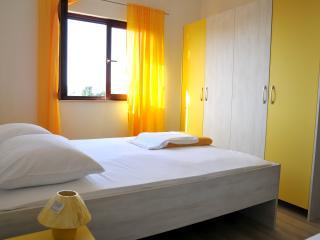 New Sunny A & L Apartman in Sukosan near Zadar - y