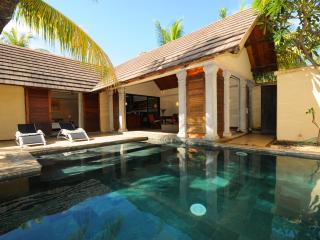 Oasis 1,villa 8 total privacy on garden/pool!No insight views; 2 bedr. en suite