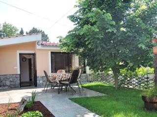 Studio ORANGE - close to the beach, Malinska