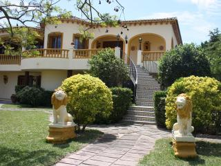 Stylish elegant residence near the sea and golf, Oliva