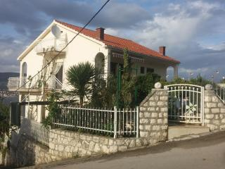 luxury apartment for 8, Okrug Donji
