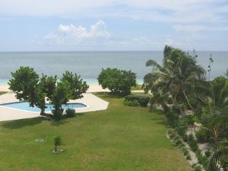 Beach front apartment, Freeport Bahamas