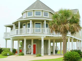 Gorgeous House with Two Living Rooms!, Galveston
