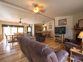 Lake and Mountain views, Convenient location, Estes Park