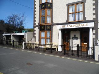 4 Th Floor twin bedded self catering apartment, Amlwch