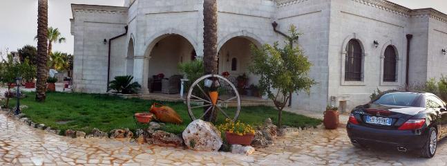 La Suite nel Bosco è l'Oasi dove trascorrere le vostre vacanze nell'incantevole terra di Puglia