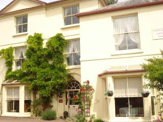 Portland House Large Self Catering Holiday Venue, Whitchurch