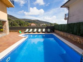Catalunya Casas: Villa Sant Iscle in Costa Maresme, only 15 minutes to the beach