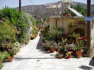 Romios Apartments, Traditional Holiday Rentals,, Kalavasos