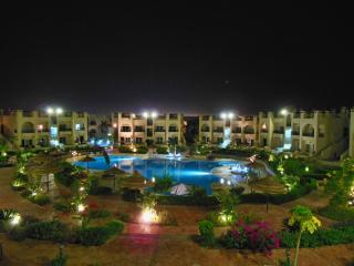 Elite apartment sunny lakes resort with pool view