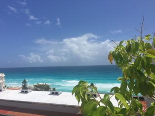 Beach Front Two Bedroom Penthouse- Ocean & Lagoon Views - Daily Maid - B3402, Cancun
