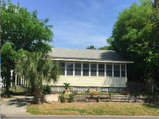 Sea Urchin - Folly Beach, SC - 2 Beds BATHS: 1 Full