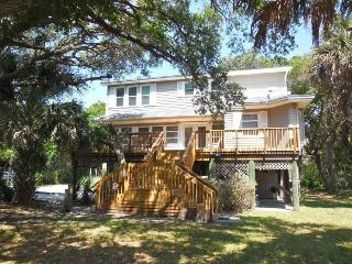 Tree House - Folly Beach, SC - 3 Beds BATHS: 3 Full