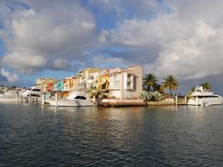 Peninsula de San Juan Villa Up To 40% Off!, Humacao