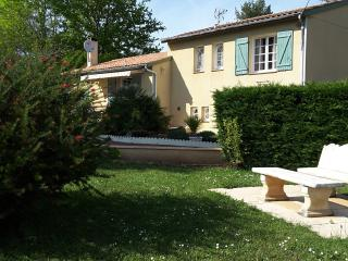Holiday Cottage, 4 bedrooms, Wifi, Pool & Garden