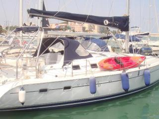 Alojamiento en velero, excursiones a calas y pesca