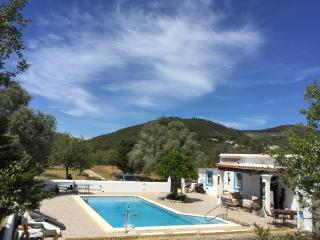 Villa sleeps 10  with pool 10x5m.5 double bedrooms, Santa Eulalia del Rio