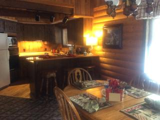 Cabin 7 - Glacier Wilderness Resort, West Glacier