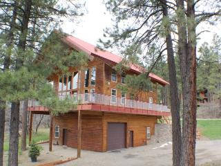 Red Top Lodge is a luxury vacation home in the San Juan River Village., Pagosa Springs