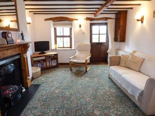 MINFFORDD COTTAGE, family friendly, character holiday cottage, with a garden in Llanegryn, Ref 2069, Tywyn