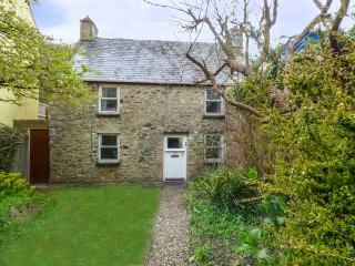 COURT HOUSE, detached, woodburner, private garden, conservatory, in Solva Ref 92