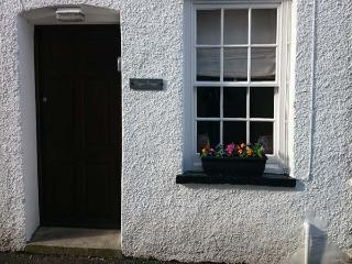 COPPER COTTAGE, mid-terrace, Grade II, close to amenities, in Ulverston, Ref