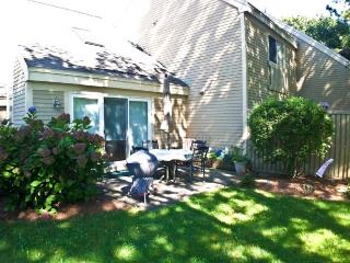 Ocean Edge - Quiet Area, 2 BR (sleeps 6) with A/C & pool access - BI0429