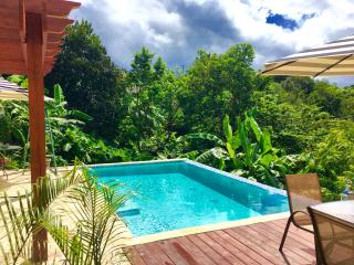Casa Valencia # 8 Pool, Wi-Fi & A/C