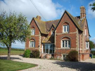 WFARM House in Cheltenham, Cleeve Hill