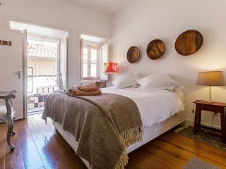 Charming Apartment in Lisbon within Castle walls, Lissabon