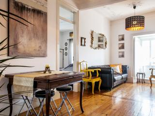 NEW - Find Me Inn Boutique Penthouse 4 Bedroom, Lisbon