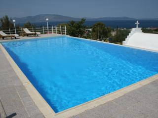 Luxurious Villa With An Amazing Swimming Pool, Arkitsa