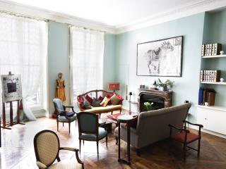 Eclectic 2 Bedroom Apartment Nestled in Le Marais, París