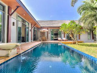 New Oriental Style Villa in Nai Harn, Chalong