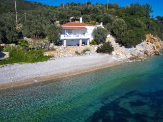 Fishermans cottage , Private villa in a stunning and quiet location on Alonissos