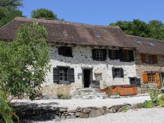 Beautiful 400 Yr Farmhouse near Limoges
