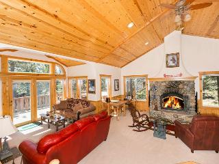 Big Pine - Beautiful 3 BR with Hot Tub and Access to Tahoe Park Private Beach