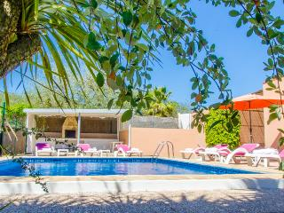 Charming CAN JULIAN in the hearth of the island, Santa Eulalia del Rio